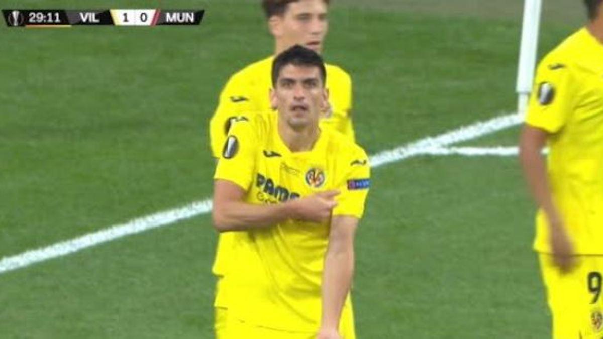 Gerard Moreno celebra el gol como prometió a David Broncano en 'La Resistencia'.