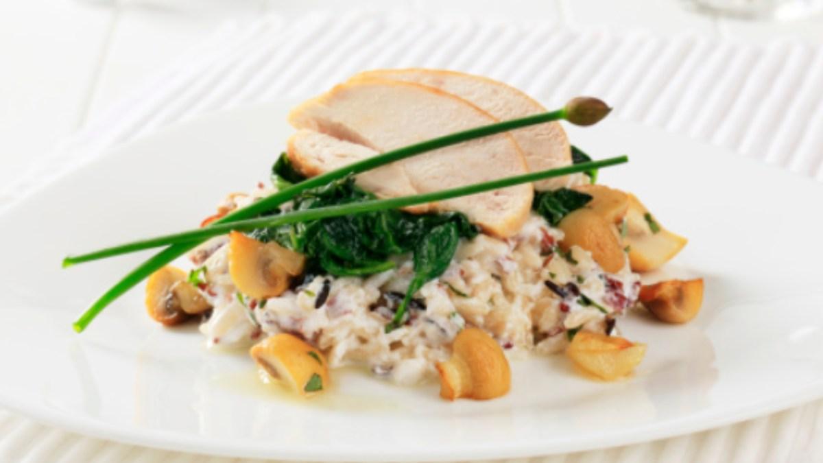 5 ensalada de arroz fáciles de preparar para una cena o comida rápida y ligera