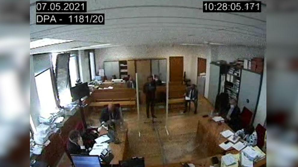 Trabajador de Podemos declarando ante el juez.