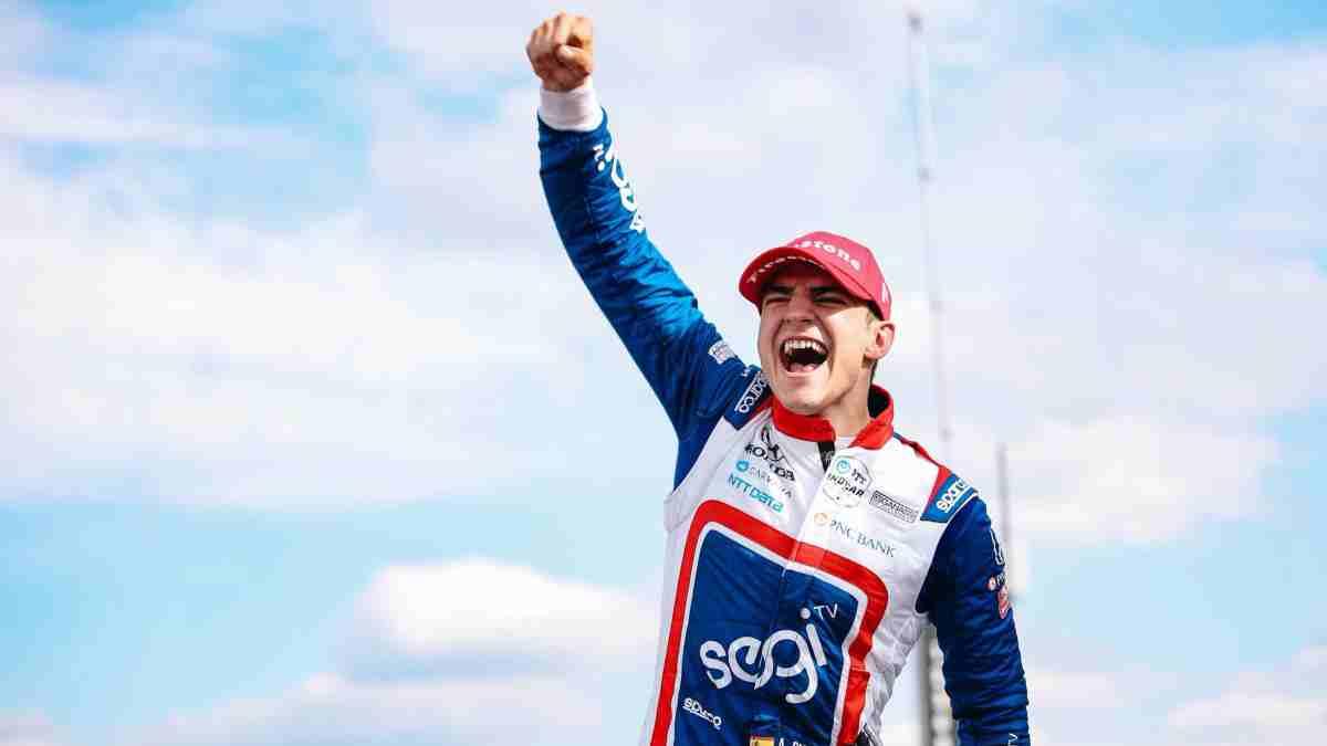 Alex Palou celebra una victoria. (@AlexPalou)