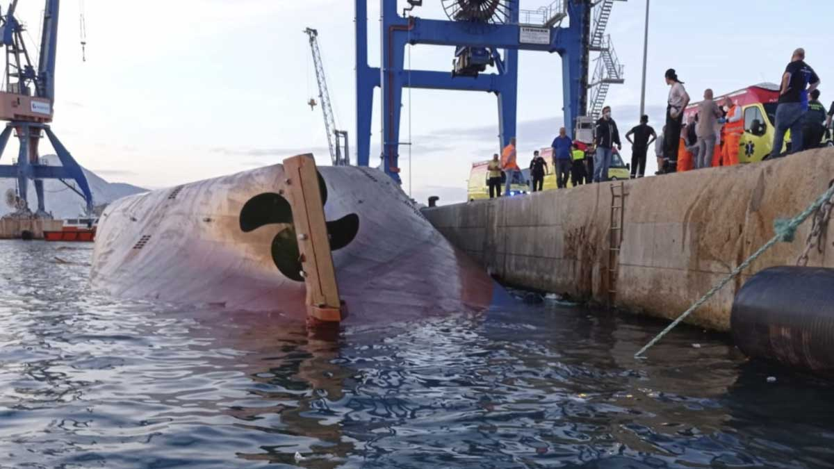 En la imagen, el barco hundido en Castellón