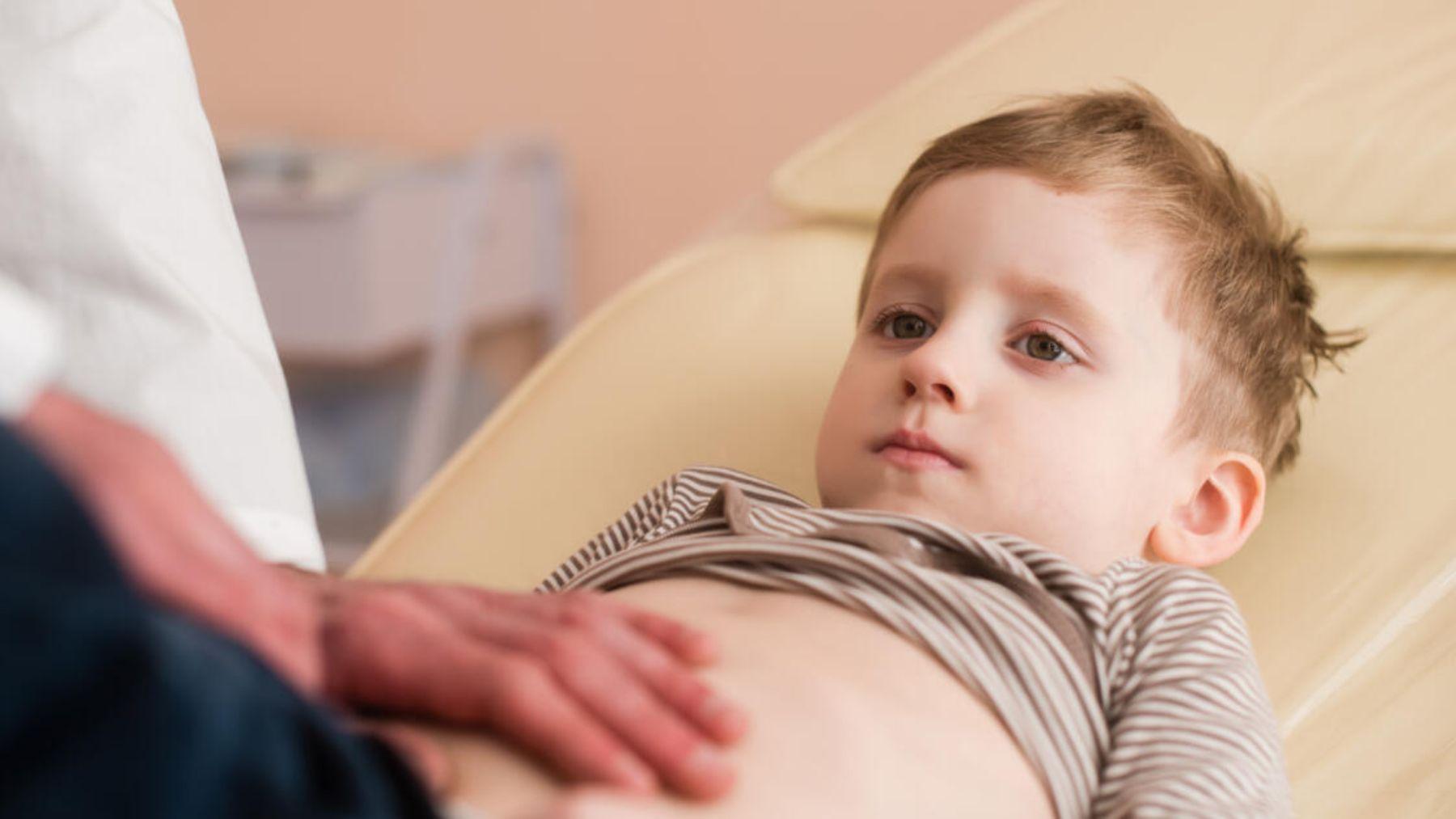 Conoce los mejores remedios para tratar el dolor de barriga en los niños