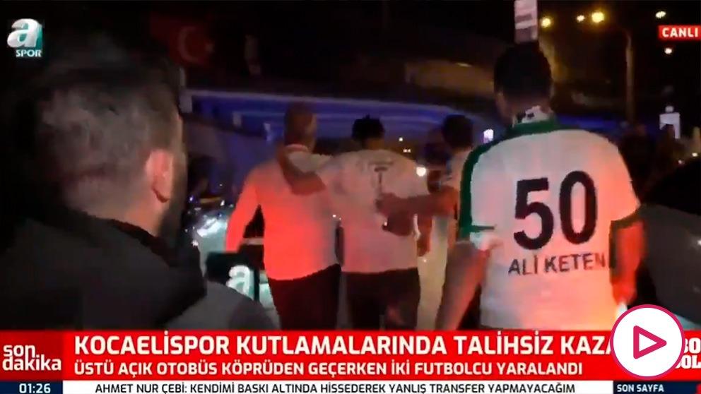 Pudo acabar en tragedia: dos jugadores heridos en Turquía en la celebración por el ascenso tras un accidente en el autobús.