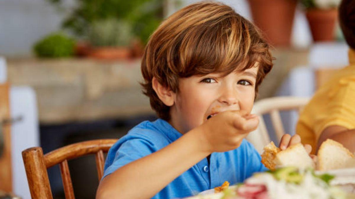 De qué modo conseguir que los niños coman bien