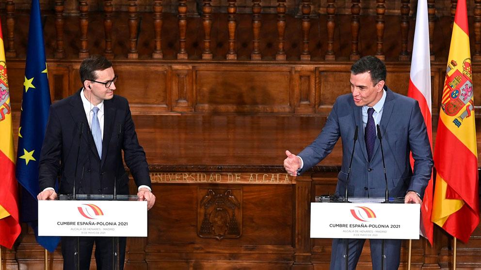 Pedro Sánchez en rueda de prensa con su homólogo polaco, Mateusz Morawiecki