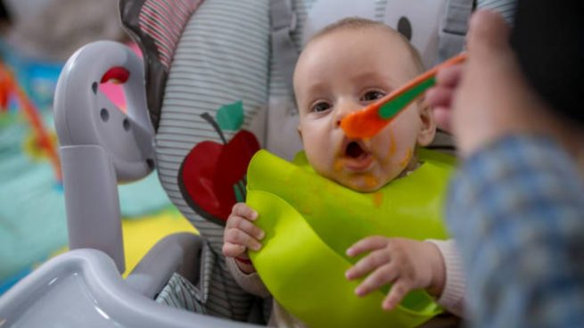 bebé alimentos sólidos