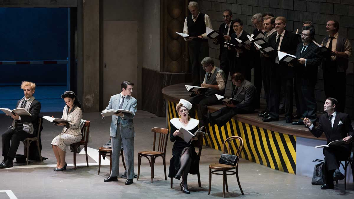 Una escena de la ópera bufa 'Viva la mamma' que llega al Teatro Real.