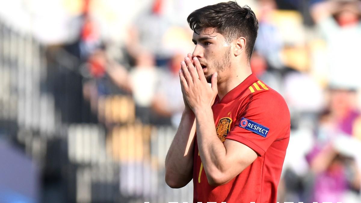 Brahim Díaz se lamenta tras una ocasión fallada en el España-Portugal Sub21. (Getty)