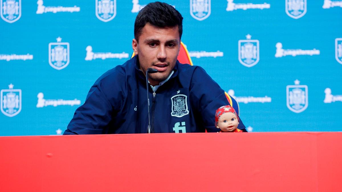 Rodri Hernández, durante un acto de la selección española. (EFE)