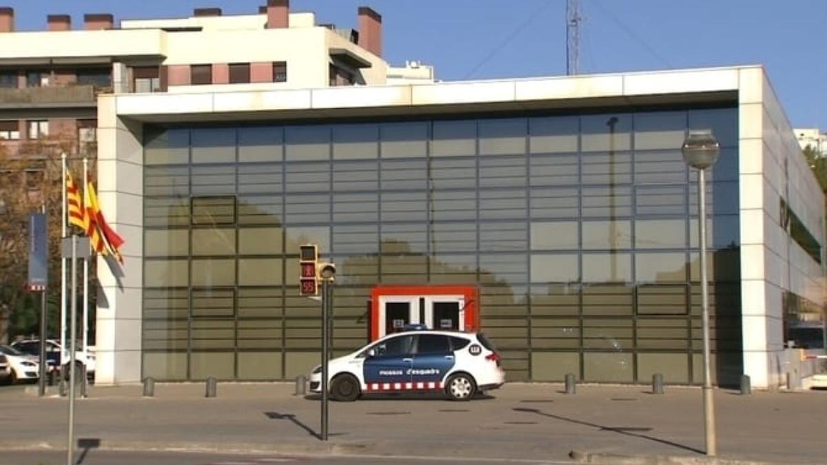 Comisaría de Esplugas de Llobregat (Barcelona).