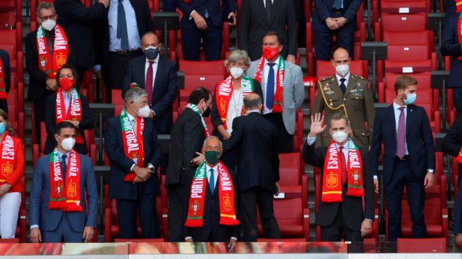 Felipe VI y Pedro Sánchez presidieron el España-Portugal en el Metropolitano