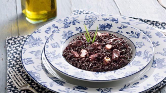 Las 5 recetas de arroz negro de restaurante para cocinar en casa