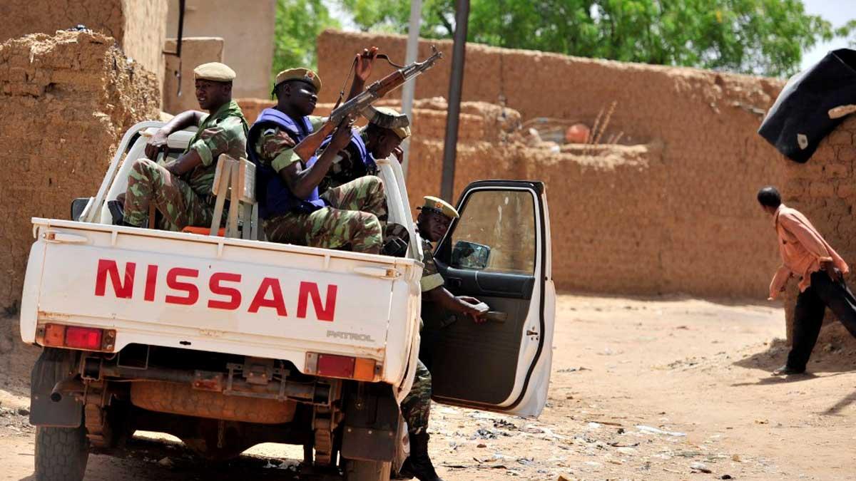 Soldados de Burkina Faso en Gorom-Gorom, cerca de la frontera con Níger y Malí. Foto: AFP