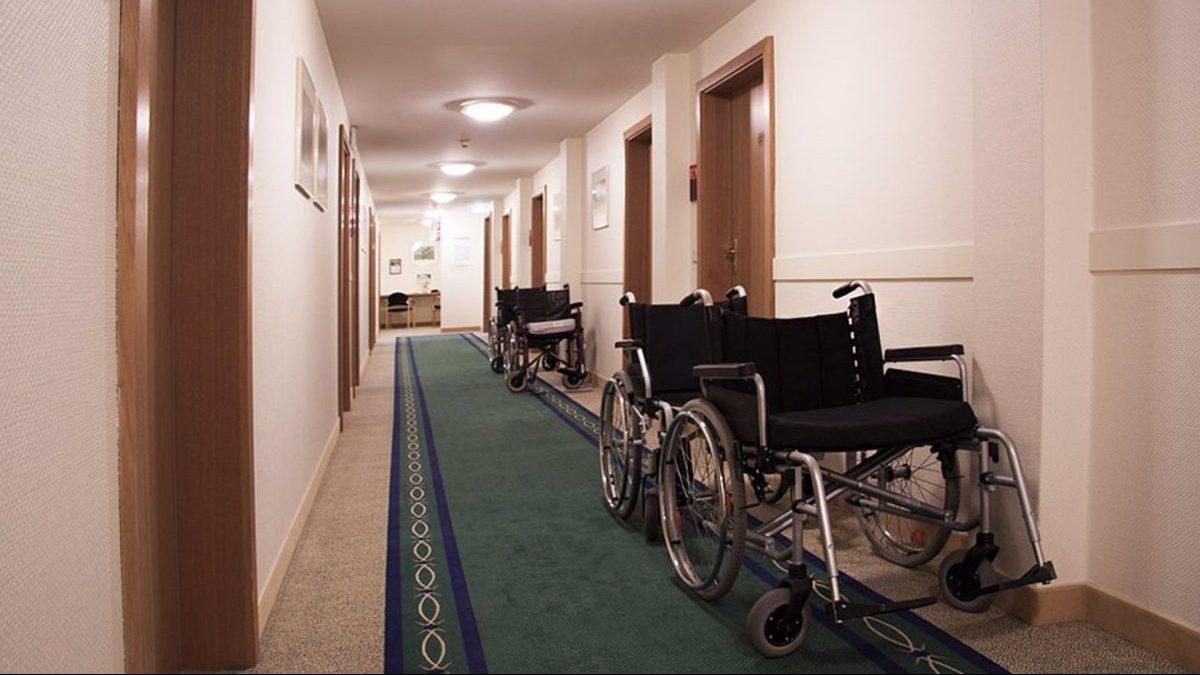 Interior de una residencia de ancianos.