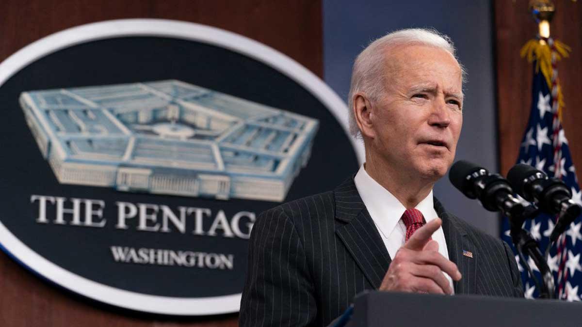 El presidente de los Estados Unidos, Joe Biden, habla en el Pentágono. Foto: AFP