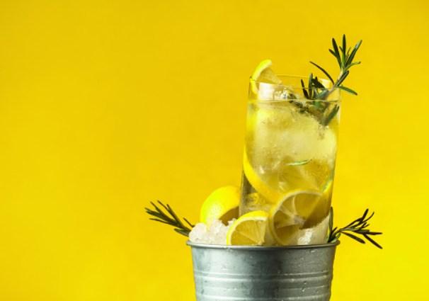 Ginmojito, la receta del cóctel más buscado este verano 2021