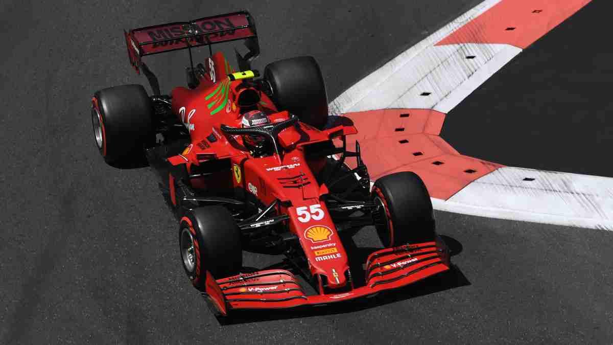 Carlos Sainz en el Gran Premio de Azerbaiyán. (AFP)