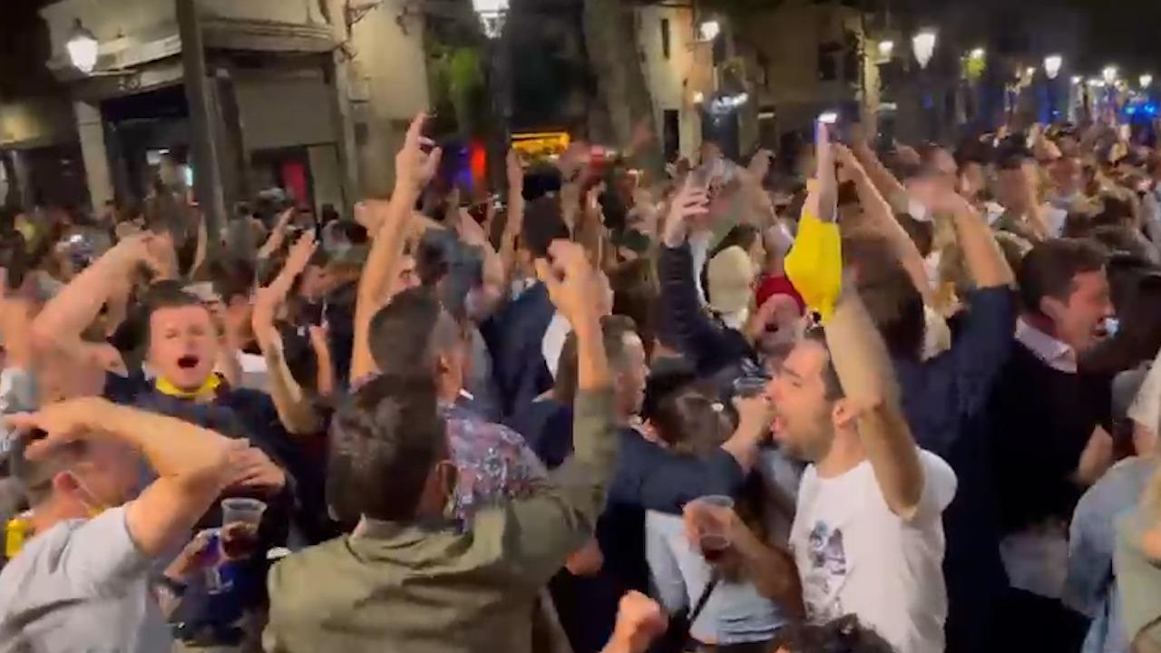 El macrobotellón con más de 400 personas el Borne Barcelonés