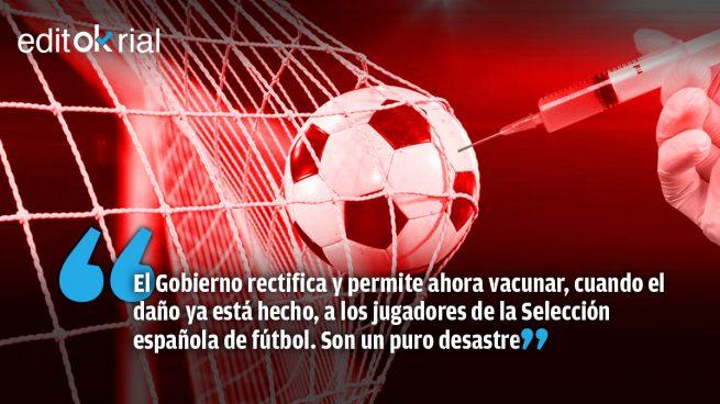 Gol en propia puerta de Sánchez a la Selección española