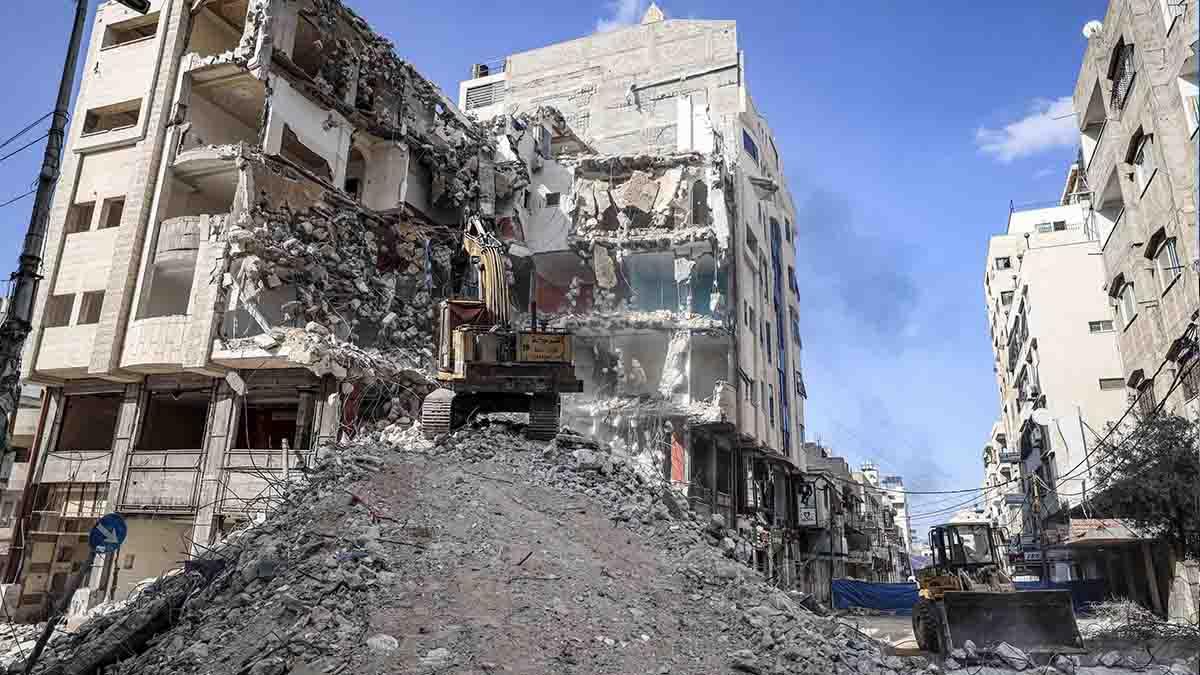 Un edificio destruido por los bombardeos en Gaza. Foto: AFP
