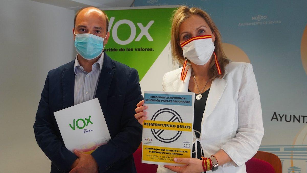 Gonzalo García y Cristina Peláez, de Vox Sevilla.