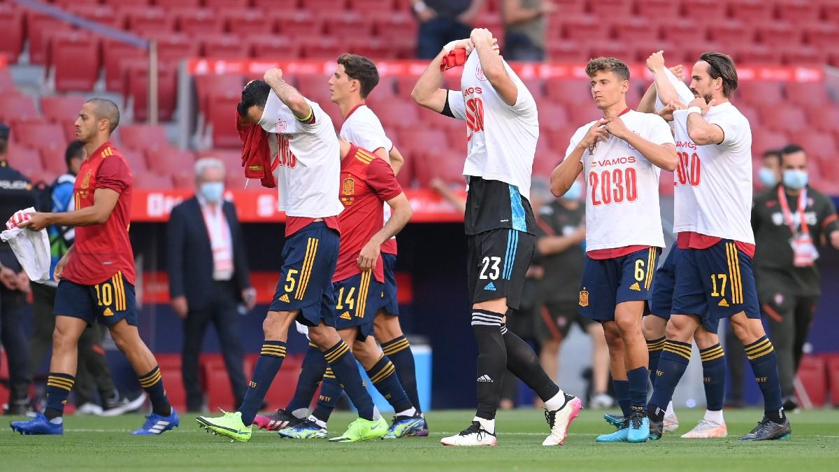 Los jugadores de la selección española, antes del comienzo del encuentro ante Portugal. (Getty)