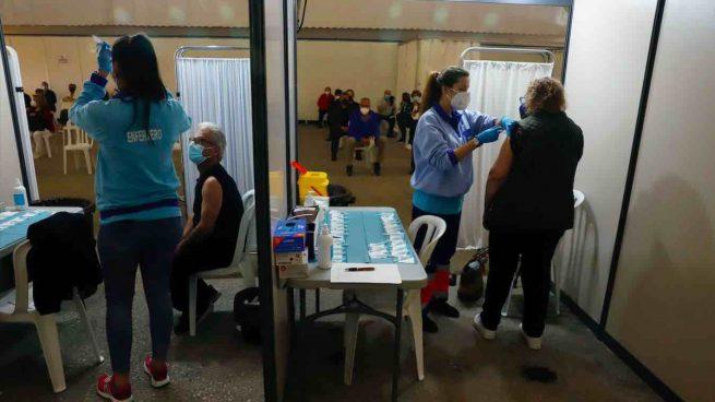Andalucía ya ve la luz: 2 millones de inmunizados y el 50% de los mayores de 16 años, al menos una dosis