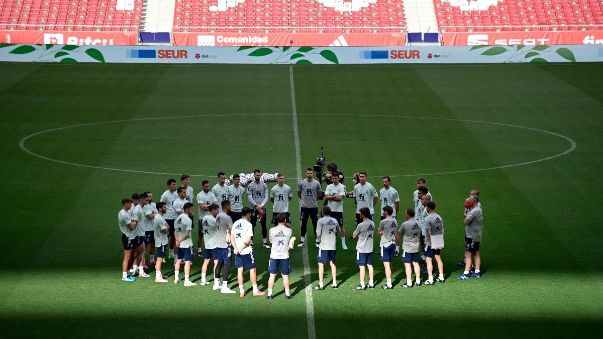 Los jugadores de la selección, en el Metropolitano. (AFP)