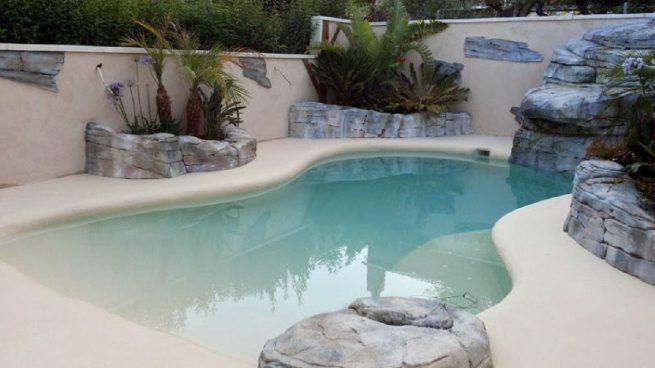 La nueva moda inmobiliaria que arrasa: piscinas con arena en casa por menos de 12.000 euros