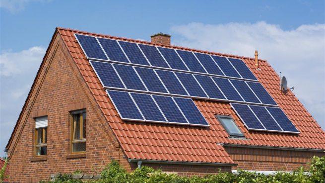 Placas solares para evitar que aumente la factura de la luz