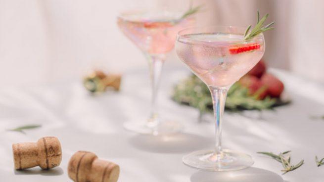 Sangría blanca, la receta de la bebida que causa furor en las terrazas