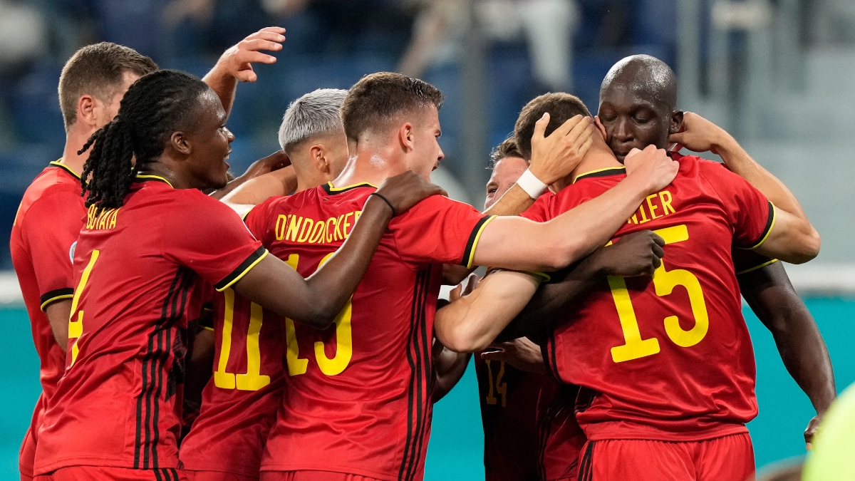 Bélgica celebra el gol de Romelu Lukaku. (AFP)