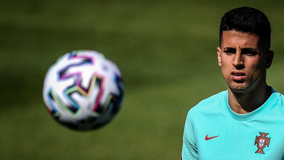 Joao Cancelo durante un entrenamiento con Portugal. (AFP)