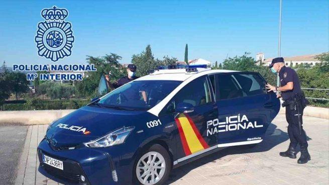 Detenidos dos marroquíes ilegales con orden de expulsión cuando intentaban okupar una vivienda en Granada