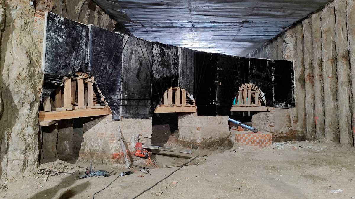 Los restos arqueológicos hallados en el entorno de la Plaza de España.
