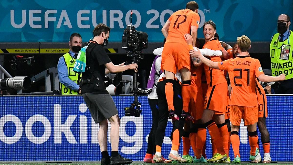 Holanda venció a Ucrania en Ámsterdam. (AFP)