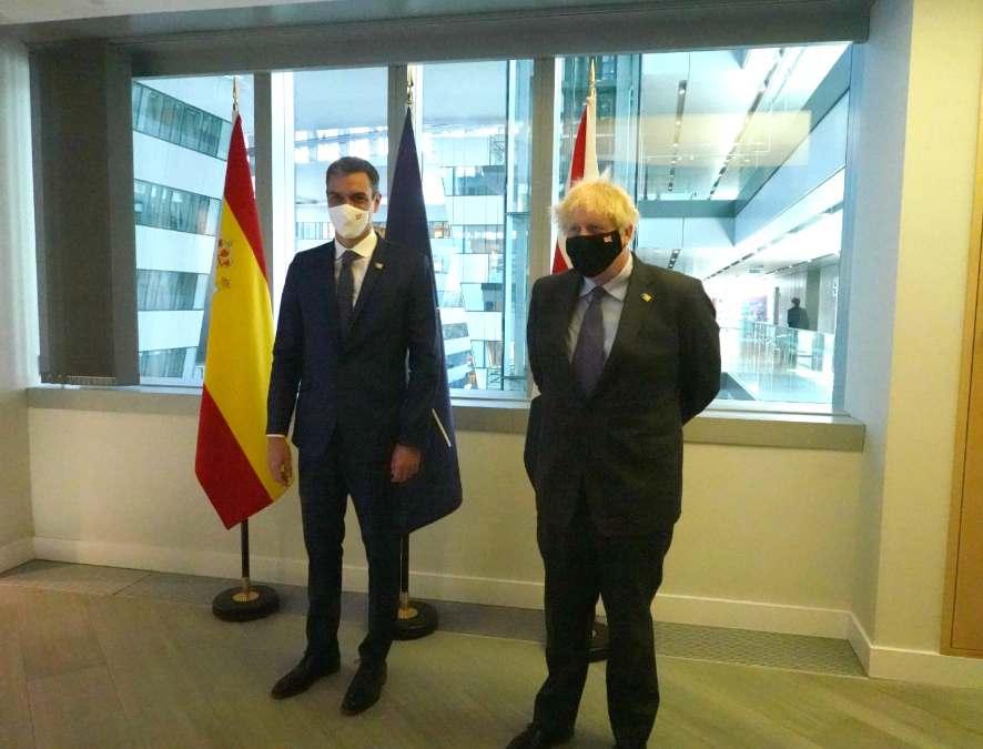 Pedro Sánchez con Boris Johnson.