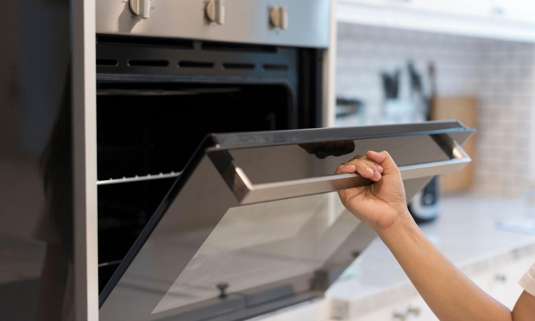 Consejos para limpiar la puerta del horno