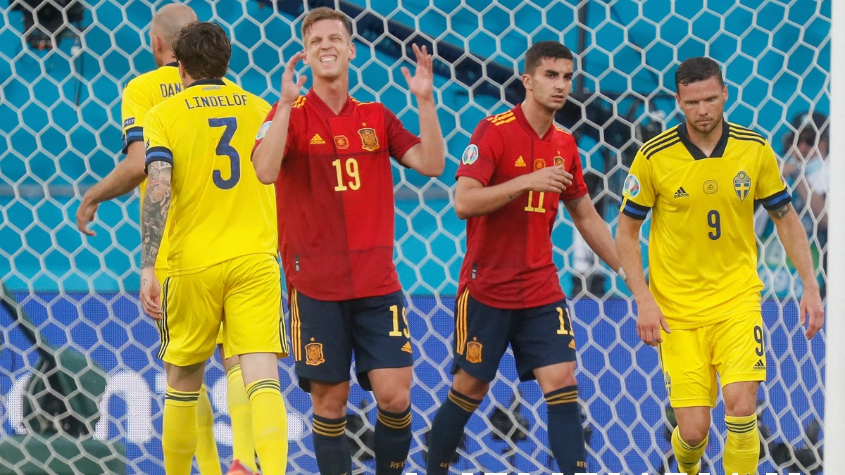 Dani Olmo se lamenta tras una ocasión en el España-Suecia. (AFP)