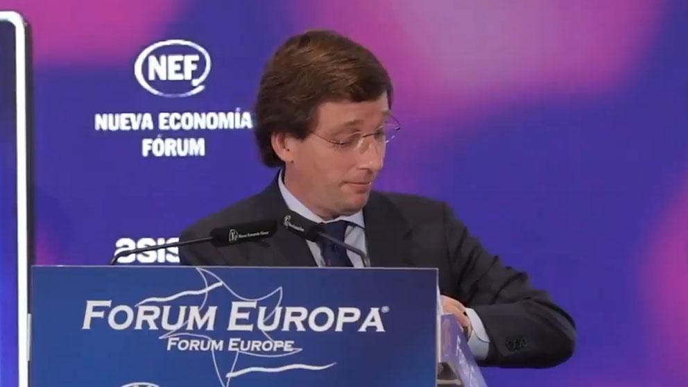 El alcalde de Madrid, José Luis Martínez-Almeida, ironiza sobre el encuentro de 29 segundos entre Sánchez y Biden.