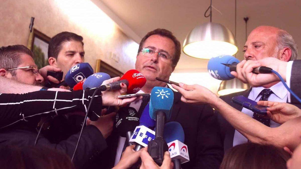 Juan Carlos Cabrera (PSOE), teniente alcalde del Ayuntamiento de Sevilla (EDUARDO BRIONES / EUROPA PRESS).