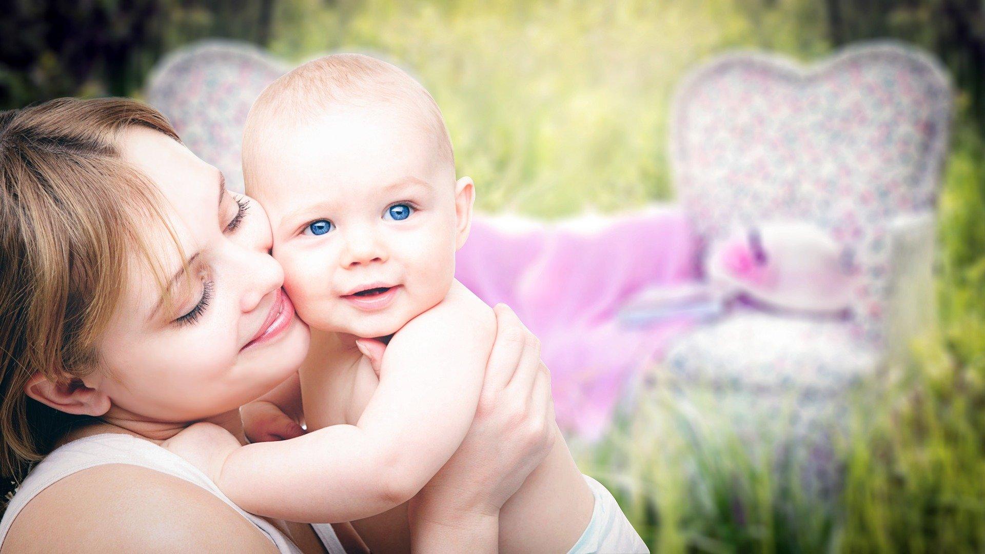 La leche materna de mujeres vacunadas contra el coronavirus contiene anticuerpos frente a la Covid-19, según un estudio