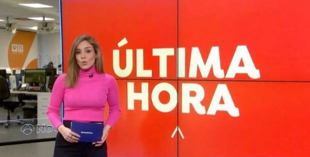 Marina Monzón se encarga de presentar el primer informativo del día de Antena 3