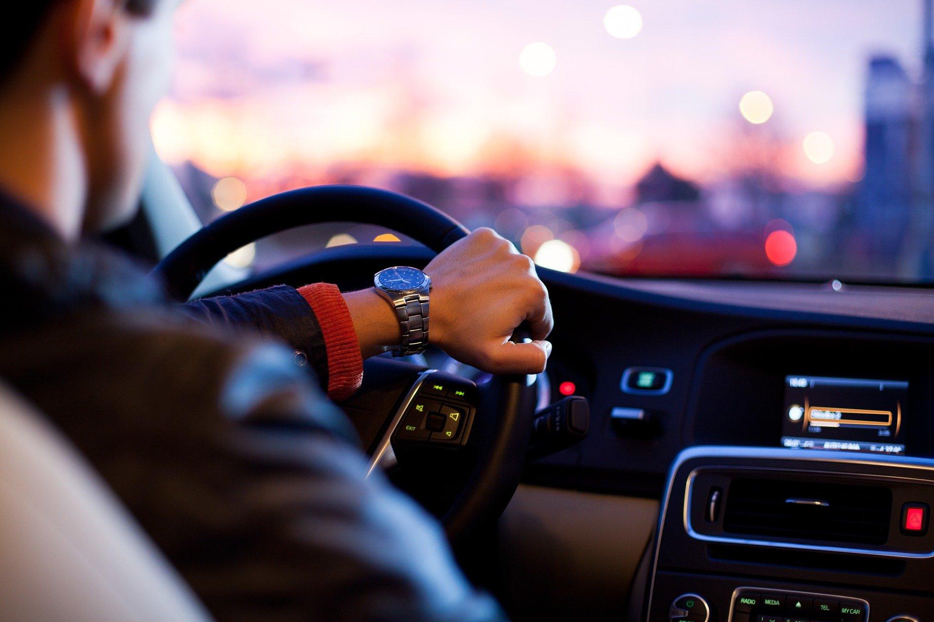 Supera el miedo a conducir con estos consejos y hábitos