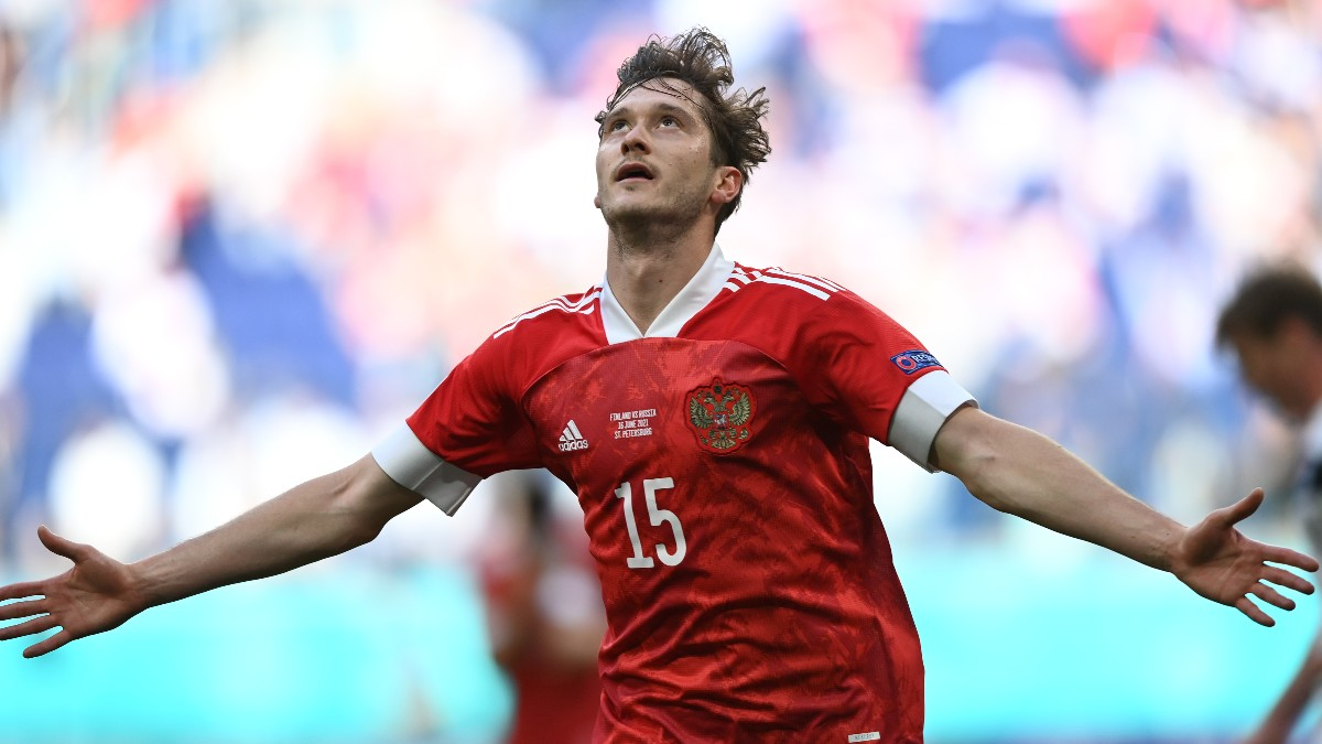 Miranchuk celebra su gol ante Finlandia en la Eurocopa. (Getty)