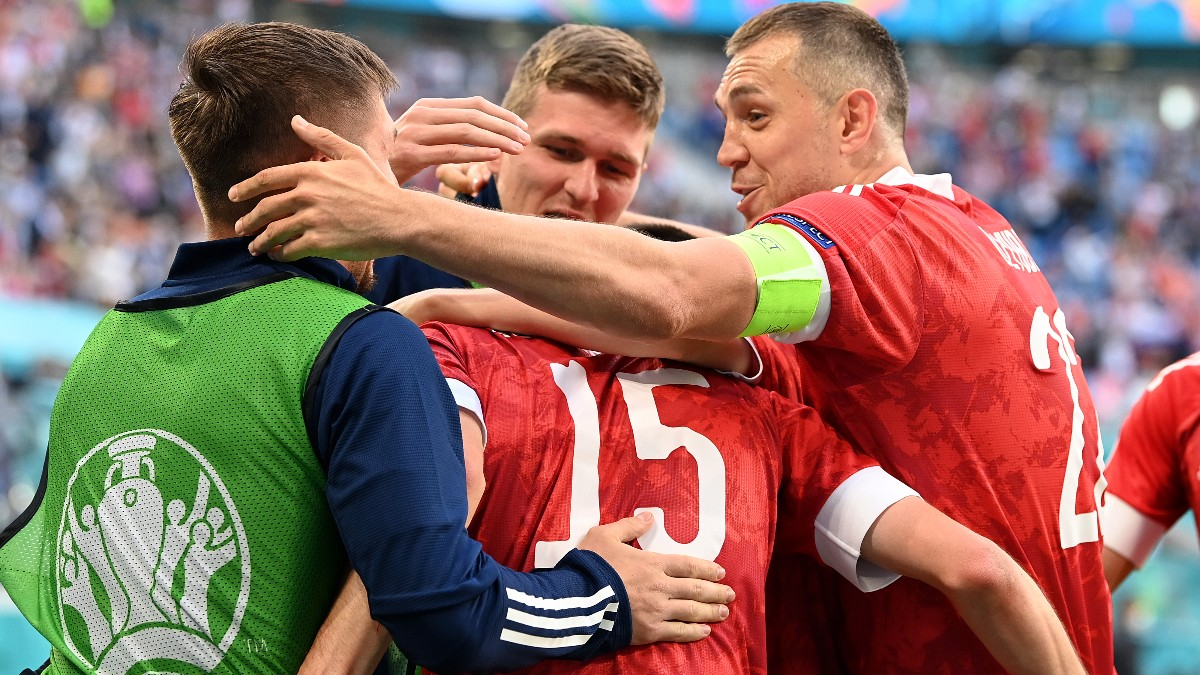 Los jugadores de Rusia celebran el gol de Miranchuk ante Finlandia. (Getty)