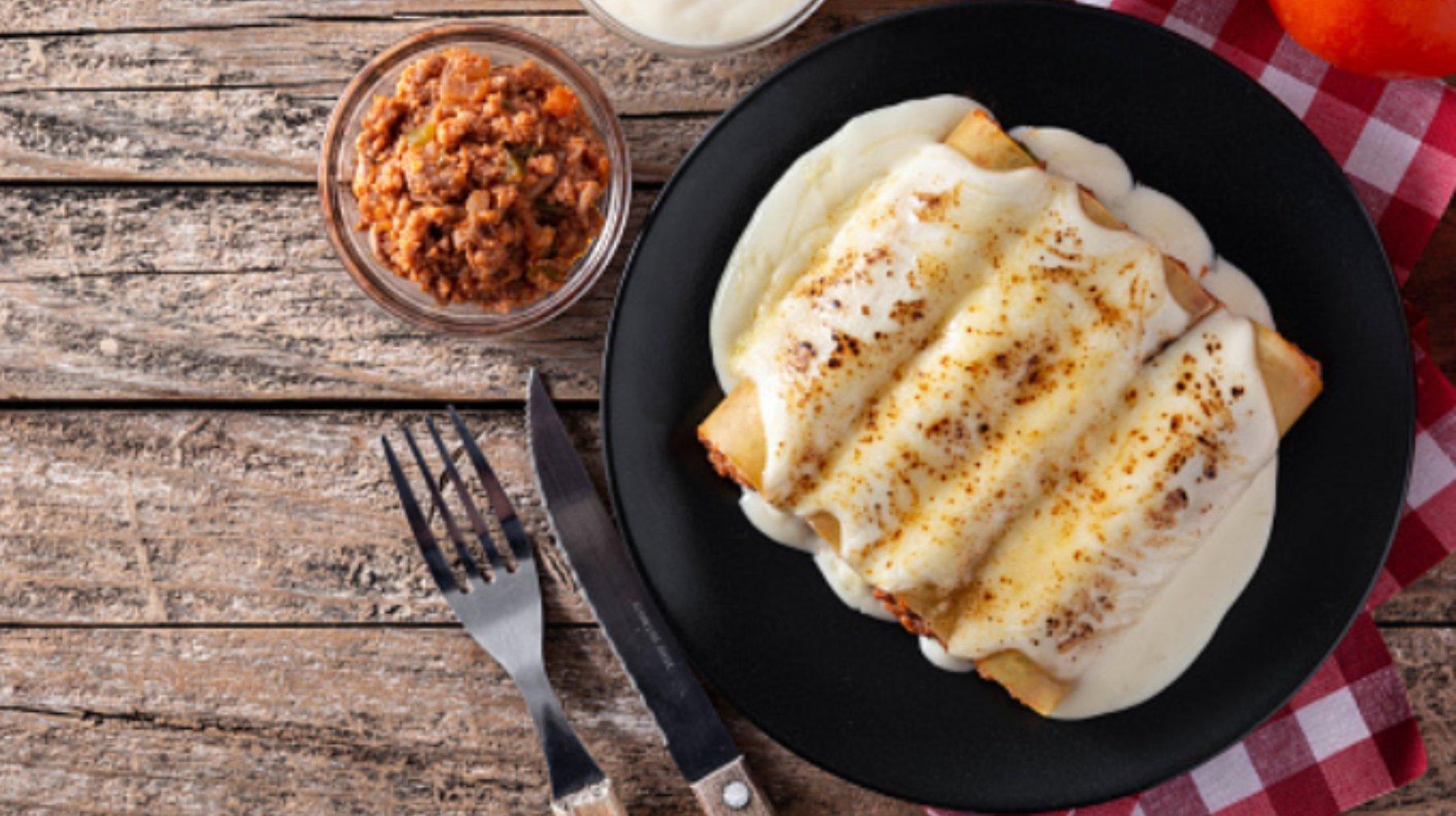 Canelones de pollo con bechamel: una receta italiana