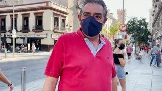 """Los sevillanos, hartos de Juan Espadas: """"¿Alcalde? Este señor no ha hecho nada por la ciudad""""."""