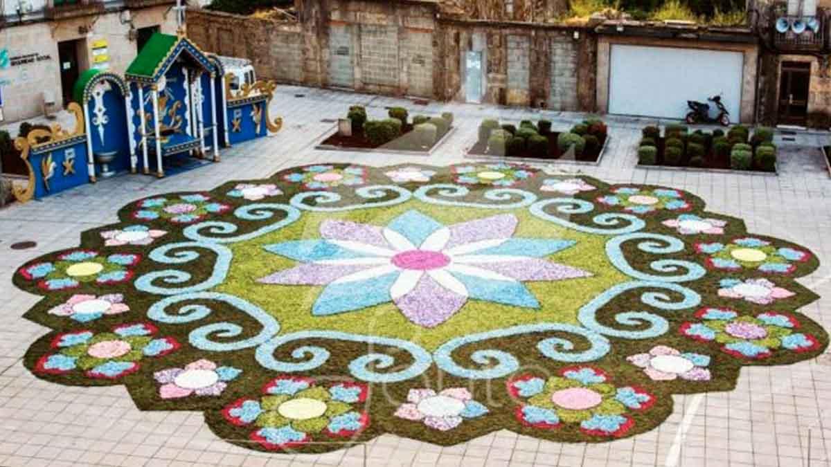 Imagen de una de las alfombras elaboradas por la Asociación