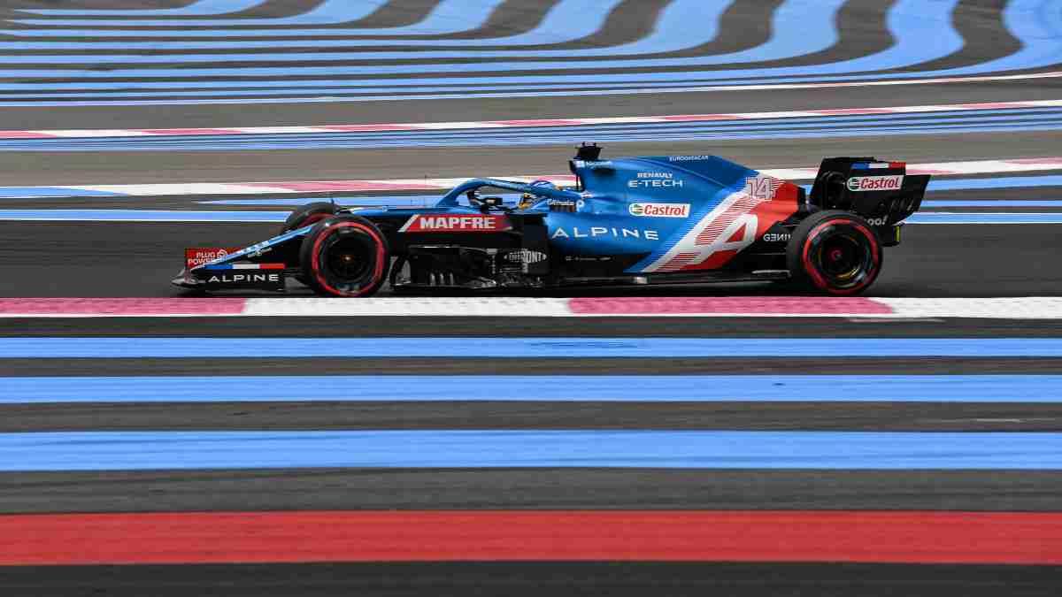 Fernando Alonso en la sesión de clasificación del Gran Premio de Francia de Fórmula 1. (AFP)